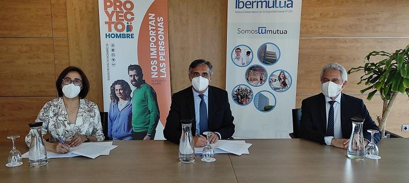 Firma convenio entre Ibermutua y Proyecto Hombre