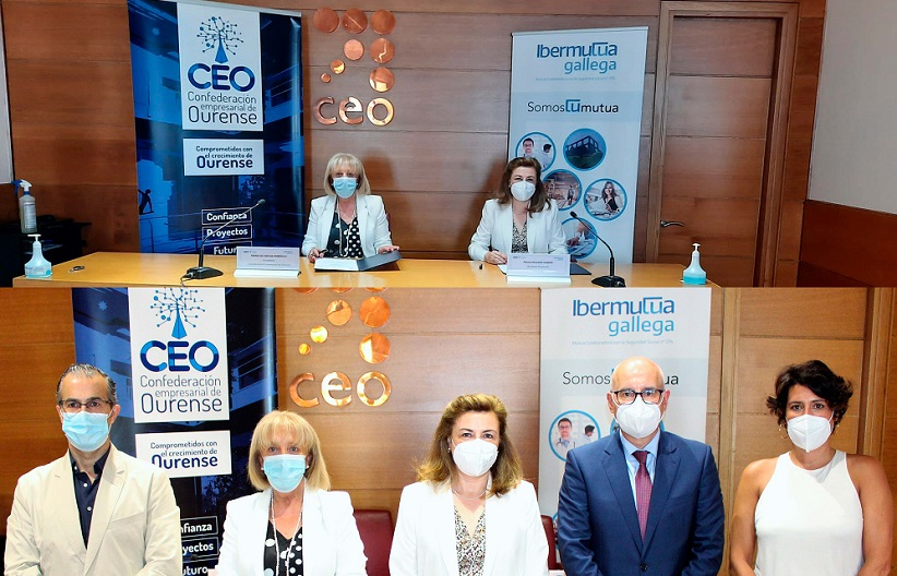 Firma Convenio CEOE e Ibermutua