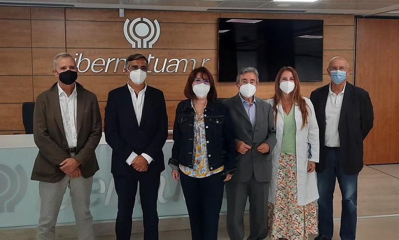 La rectora de la Universidad de Alicante visita las instalaciones de Ibermutua